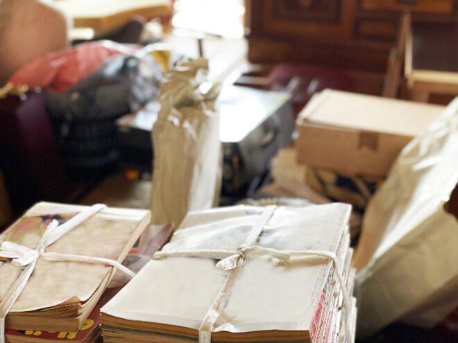 部屋に置かれたたくさんの雑貨